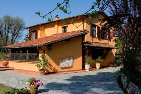 Villas and houses to rent in Italy. Villa – Camaiore, Tuscany, Italy