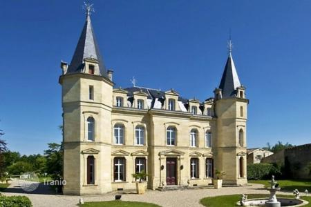 Luxury residential for sale in Aquitaine. Castle – Bordeaux, Aquitaine, France