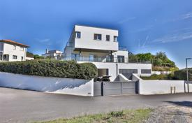 Luxury property for sale in Nouvelle-Aquitaine. Luxury villa with a pool and sea views, in Anglet, Aquitaine, France