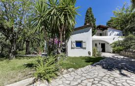 Luxury 4 bedroom houses for sale in Côte d'Azur (French Riviera). Mougins — Walking distance to the old village