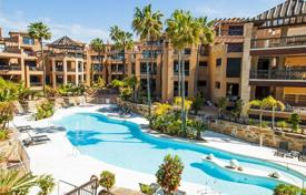 Apartments with pools for sale in San Pedro Alcántara. Apartment with terrace, in a residence with garden and swimming pool, near the beach, in San Pedro Alcantara, Malaga, Spain