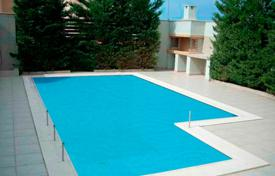 Coastal residential for sale in Lagonisi. Comfortable detached house with a swimming pool and a garden, at 50 meters from the sea, Lagonissi, Greece