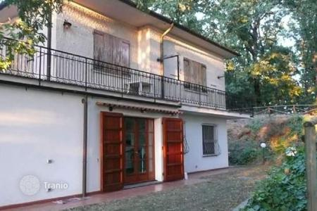 Apartments for sale in Collesalvetti. Apartment – Collesalvetti, Tuscany, Italy