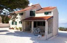 Residential for sale in Splitska. Villa on the sea front in the town of Splitska, Croatia