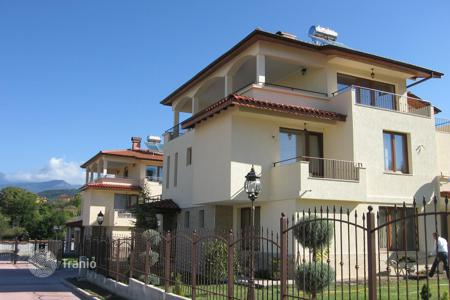 Bank repossessions residential in Mountains in Bulgaria. Townhome – Sandanski, Blagoevgrad, Bulgaria