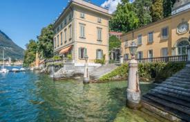 Property for sale in Torno. Three-room apartment in a historic villa of the 18th century, Torno, Italy