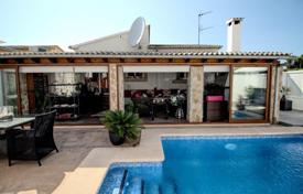 Furnished villa with a private garden, a swimming pool, a summer kitchen and a parking, El Toro, Spain for 595,000 €