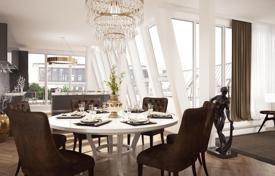 4 bedroom apartments for sale in Charlottenburg. Magnificent penthouse with roof terrace in the heart of Charlottenburg, Berlin. The offer from the developer
