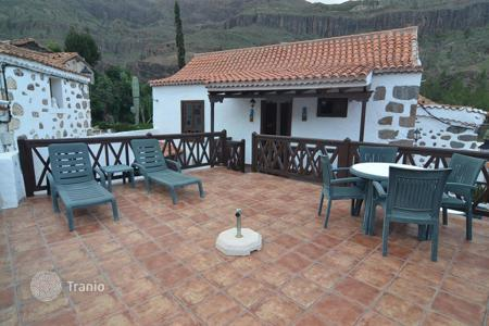 4 bedroom houses for sale in Canary Islands. Double House in Fataga