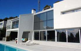 4 bedroom villas and houses by the sea to rent in Catalonia. Villa – Blanes, Catalonia, Spain