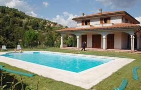 Mediterranean style villa with a pool, Talla, Tuscany, Italy for 550,000 €