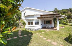 Property for sale in Costa del Maresme. Villa with sea views in Cabrils, Spain