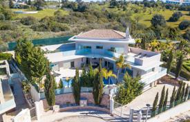 Immaculate very modern 4 Bedroom High Spec Villa with Sea Views, near Albufeira for 1,661,000 $