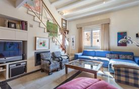 4 bedroom apartments for sale in Balearic Islands. Two-level penthouse with convenient layout and two terraces, Palma de Mallorca, Spain