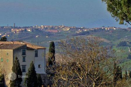 Villas and houses to rent in Florence. Castello di Bargino