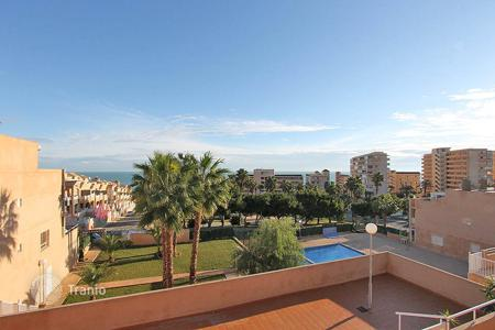 "Chalets for sale in Costa Blanca. Torrevieja — Torrelamata. Community ""Los Leandros"". Townhouse with 2 bedrooms and 2 bathrooms"