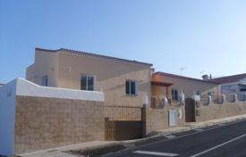3 bedroom houses for sale in Callao Salvaje. Villa – Callao Salvaje, Canary Islands, Spain