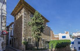 Three-storey villa with a terrace and a beautiful garden, 50 meters from the beach, Sitges, Spain for 1,950,000 €