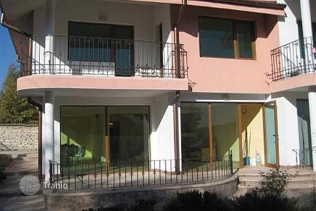 Townhouses for sale in Kranevo. Lovely two-storey house for sale in the village of Kranevo, Balchik