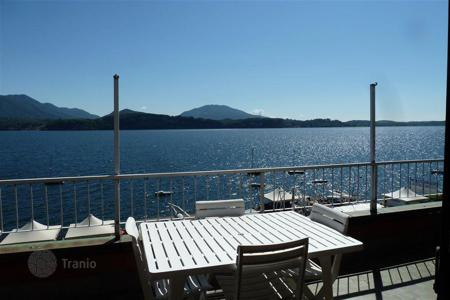 Apartments for sale in Stresa. Stresa. A bright apartment with a breathtaking view of the Maggiore lake