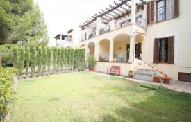 Townhouses for sale in Balearic Islands. Townhouse with a garden, a Jacuzzi and a parking, Bendinat, Spain