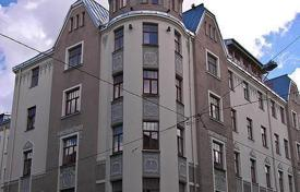 4 bedroom apartments for sale in Latvia. Luxury five-room apartment in an old house in the historical area of Riga