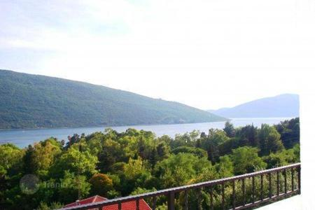 1 bedroom apartments by the sea for sale in Herceg-Novi. Apartment in Herceg Novi, district Kumbor