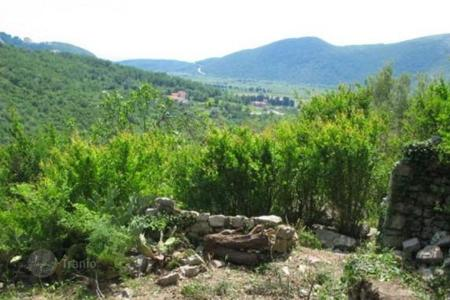 Land for sale in Budva (city). Plot 3 km from the beach Jaz, Budva, Montenegro