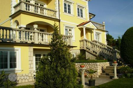Property for sale in Primorje-Gorski Kotar County. Beautiful historic villa in Crikvenica