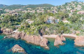 Théoule-sur-Mer — Waterfront property. Price on request