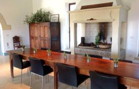 Residential for sale in Apulia. Estate of the 16th century with a swimming pool, a garden and a guest house, Lecce, Italy