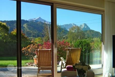 Houses with pools for sale in Bavaria. Three-storey villa with swimming pool, sauna and mountain views in Garmisch-Partenkirchen