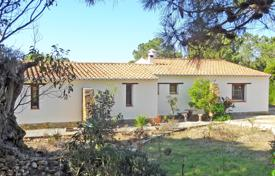Property for sale in Faro (city). 2 bedroom country house on huge plot in spectacular location 250m from sea, Rogil, West Coast