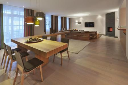 Apartments to rent in Graubunden. Apartment with views of the valley Engadin St. Moritz