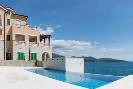 1 bedroom apartments by the sea for sale in Herceg-Novi. Apartments in a modern complex on the beachfront in Lustica