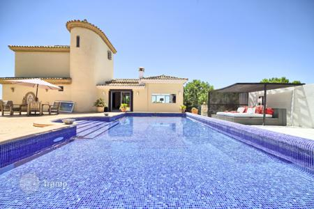Houses for sale in Estepona. Stunning Villa in Los Reales, Sierra Estepona, Estepona