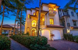 Townhouses for sale in North America. Terraced house – Palm Beach Gardens, Florida, USA