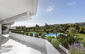 Luxury apartments with pools for sale in Spain. Penthouse for sale in Los Granados Golf, Nueva Andalucia