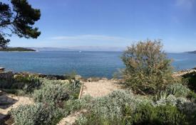 Residential for sale in Hvar. House on Hvar island