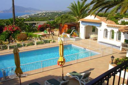 Houses with pools for sale in Altea. Villa – Altea, Valencia, Spain