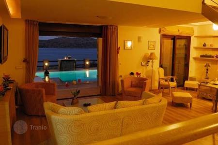 5 bedroom villas and houses by the sea to rent in Crete. Villa – Elounda, Crete, Greece