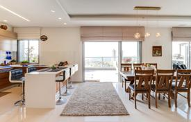 Coastal new homes for sale in Israel. Renovated apartment with park and sea views