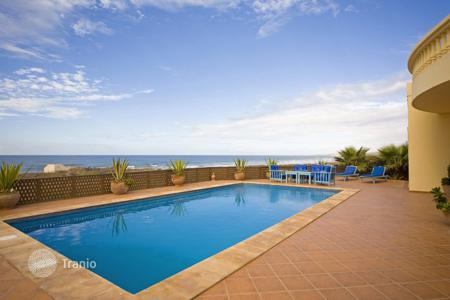 Villas and houses for rent with swimming pools in Africa. Dar Aglou