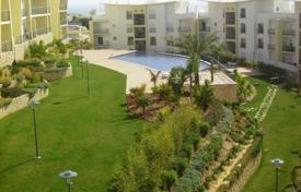 Apartments with pools for sale in Faro. Apartment – Albufeira, Faro, Portugal