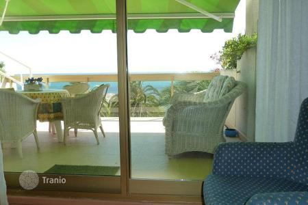 Apartments with pools by the sea for sale in Costa Dorada. Apartment – Cambrils, Catalonia, Spain