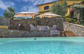 3 bedroom villas and houses by the sea to rent in Tuscany. Villa – Serravalle Pistoiese, Tuscany, Italy