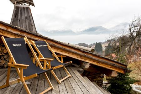 Property for sale in Combloux. Beautiful Chalet Loft facing Mont Blanc