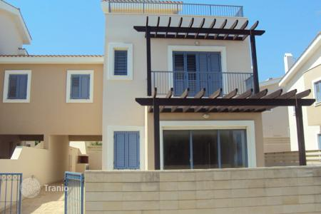 Townhouses for sale in Famagusta. 4 Bedroom Link Detached House 50 meters from the Beach