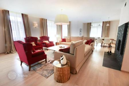 3 bedroom apartments to rent in Swiss Alps. Apartments with terrace in St. Moritz, Switzerland