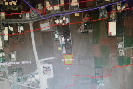 Development land for sale in Nicosia. 2,275m² Residential Plot in Kokkinotrimithia